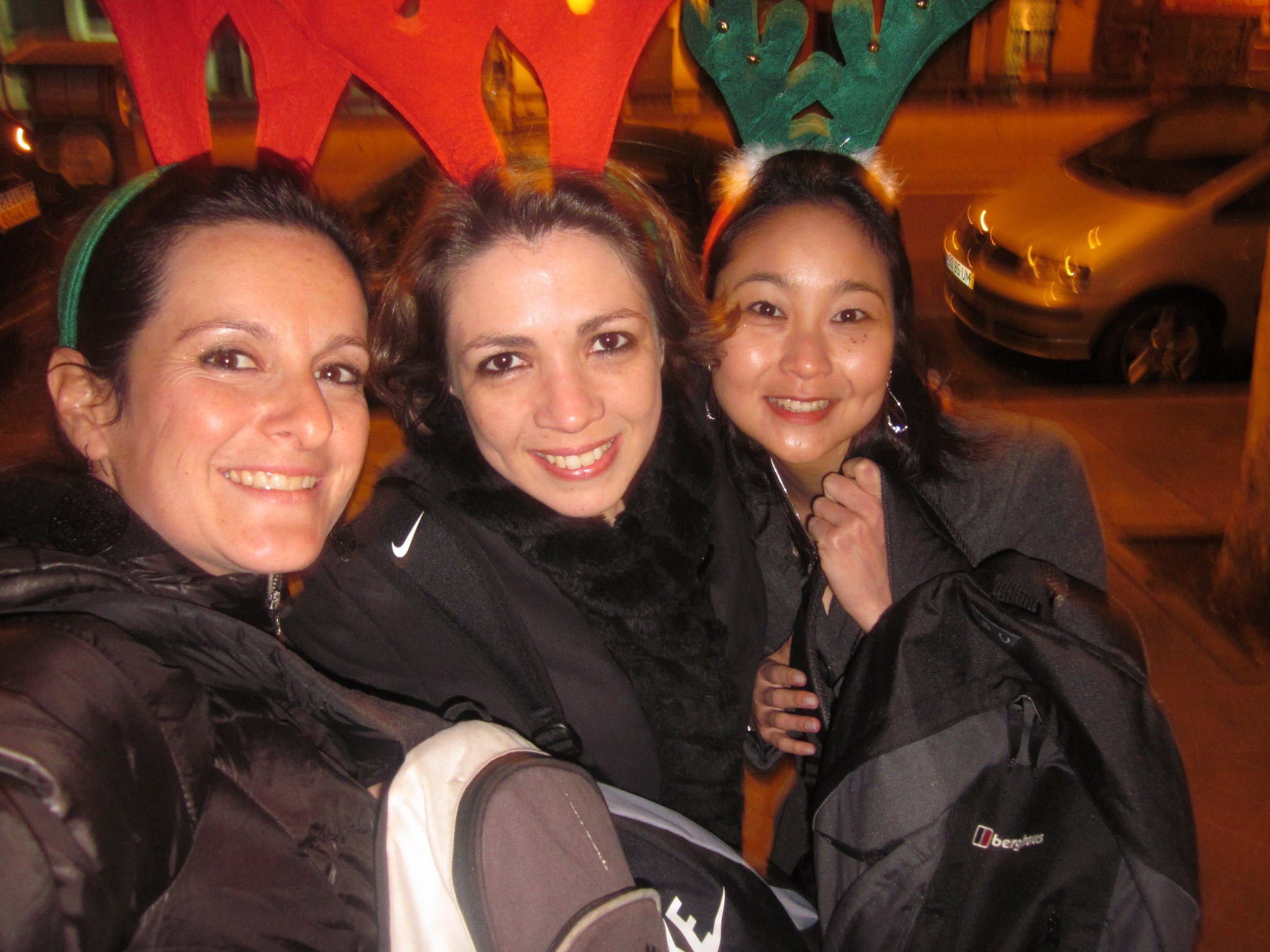 Carregando mochilas à meia-noite de 2011