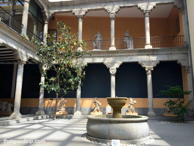 Festa de San Isidro em Madrid: Patio interior do museu de San Isidro em Madrid