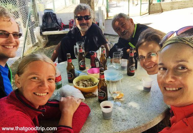 Caminho Portugues da Costa: Albergue O Freixo, junto com o Luís