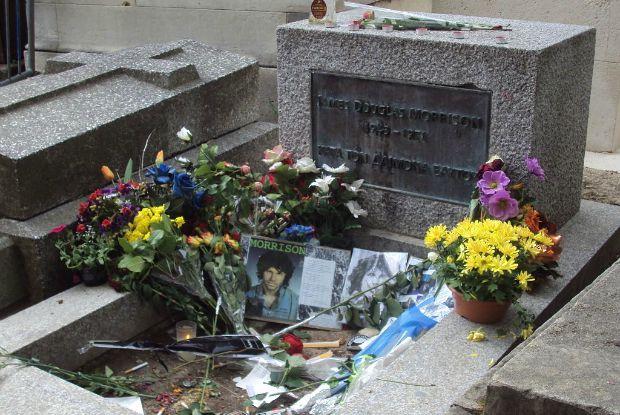 Túmulo do Jim Morrisson. Crédito: Creative Commons