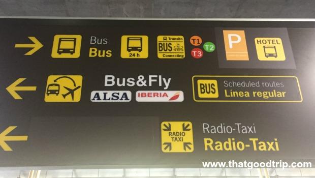 Como ir do aeroporto ao centro de Madrid: placa no aeroporto
