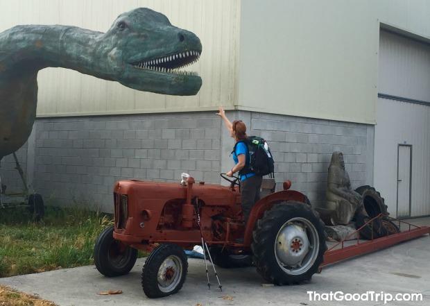 Caminho Ingles: saindo de Hospital de Bruma encontramos um dinossauro!