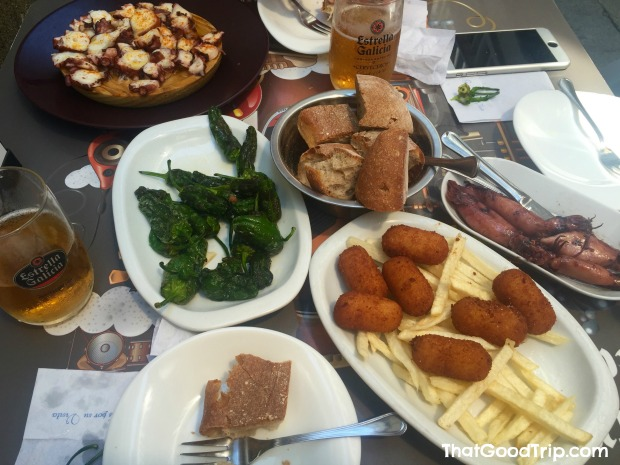 Caminho Ingles: pulpo a feira, pimientos de padrón, croquetas e chipirones