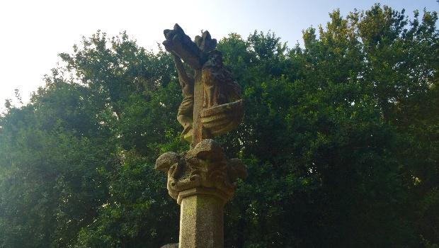 Variante Espiritual do Caminho Português: cruzeiros