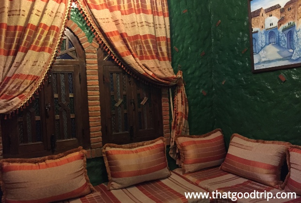 Chefchaouen: a sala do quarto do hotel Chez Aziz