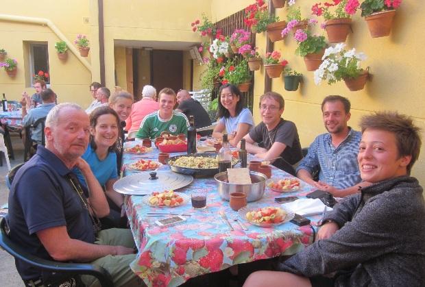 Quanto custa fazer o caminho de Santiago: comendo juntos